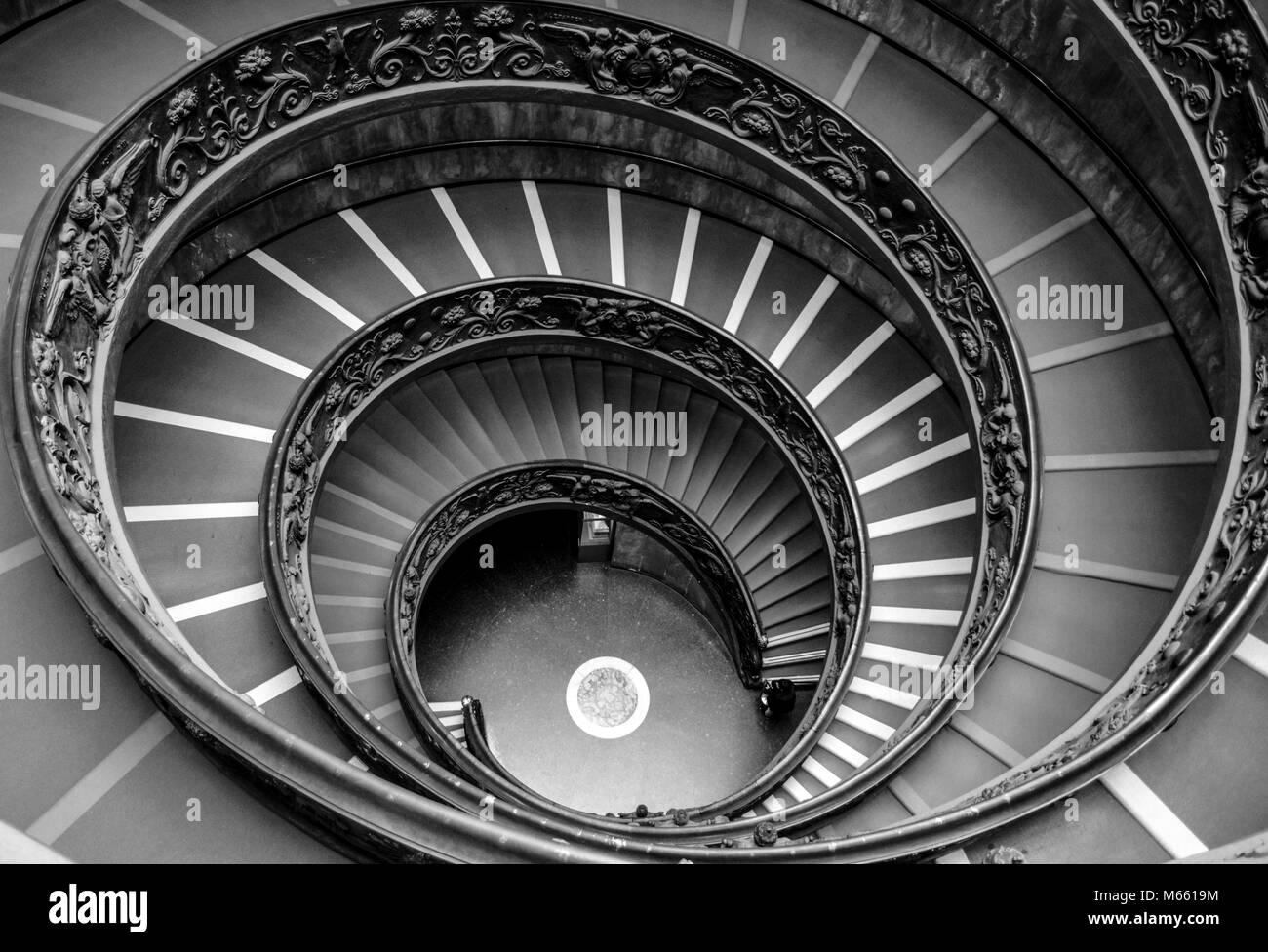 Museos Vaticanos Hermosas Escaleras En Espiral Para El Publico En La - Escaleras-en-espiral