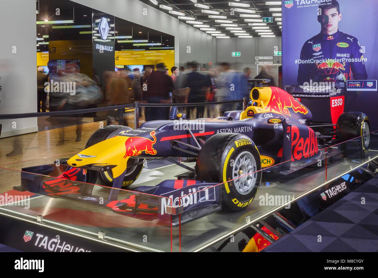 Red Bull RB6 es el monoplaza de Fórmula 1, cometidas por el equipo ...