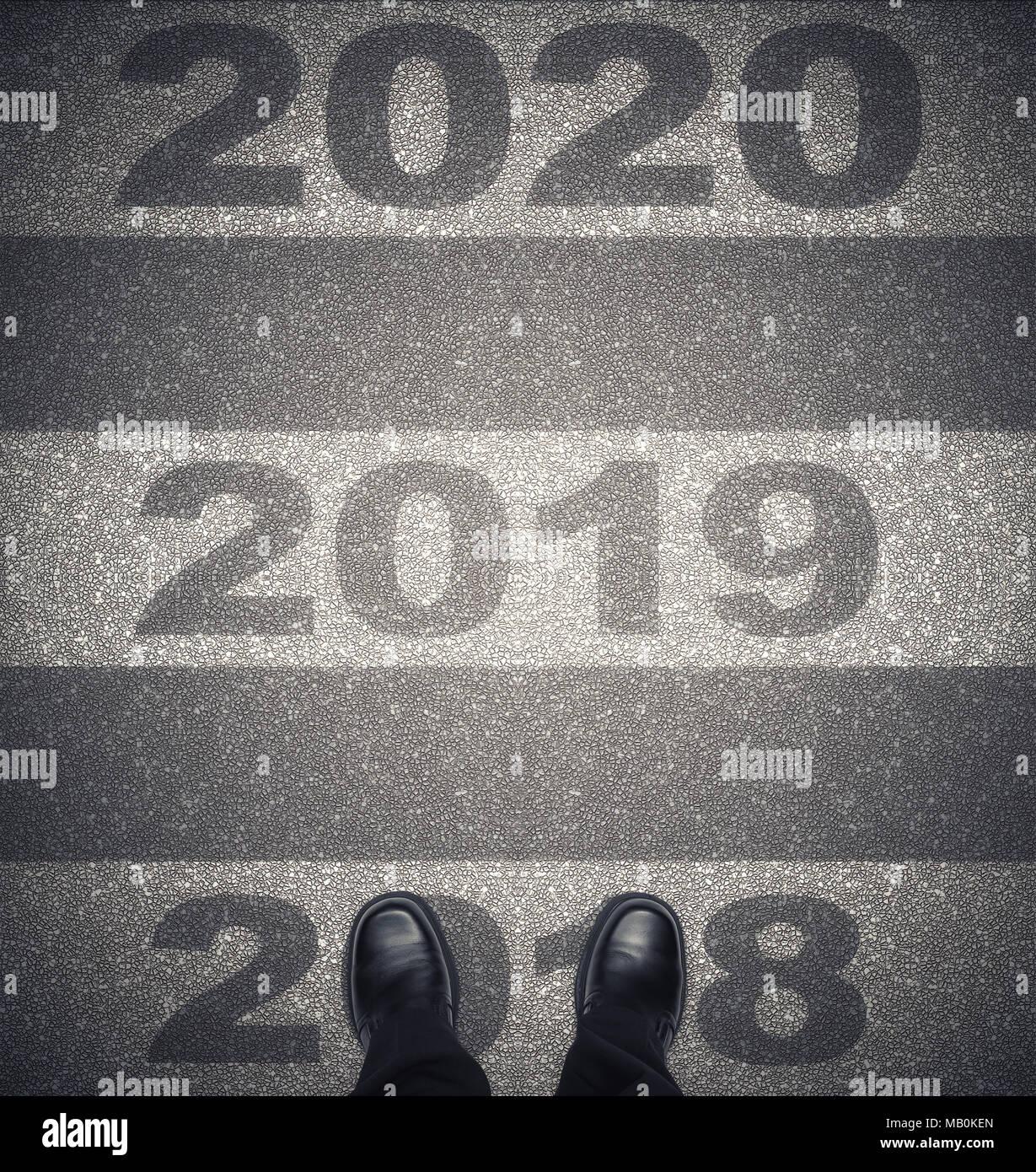 A Partir De 2018 En Concepto De Futuro Con Zapatos De Hombre De