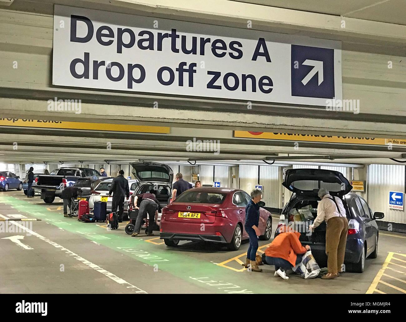 GoTonySmith,free,for,airport,flight,dropoff,drop-off,taxi,friends,tariff,Manchester