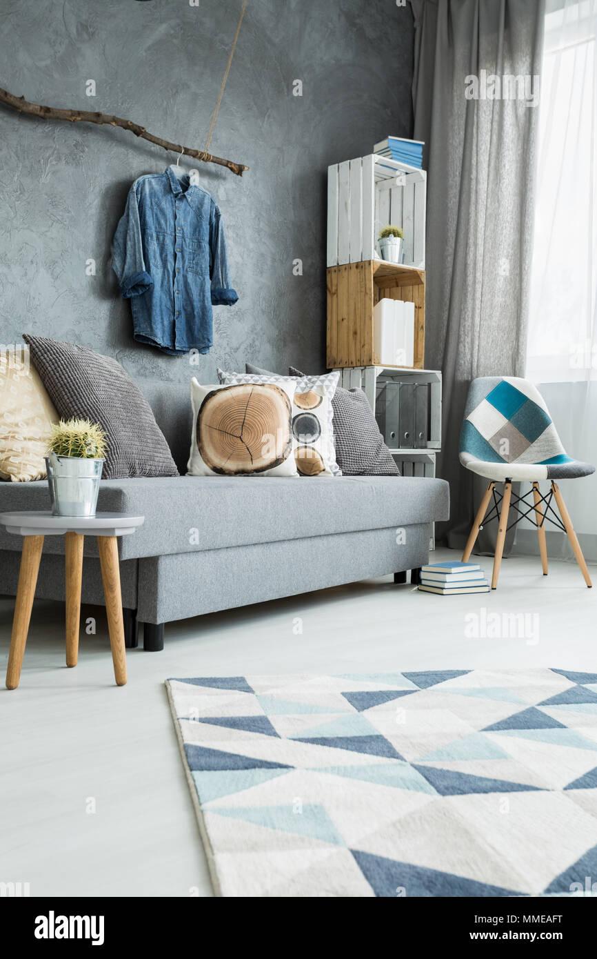 Moderno y luminoso salón-comedor minimalista en tonos de cian con ...