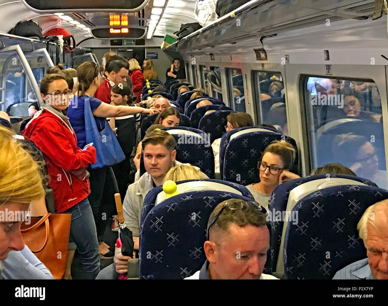 GoTonySmith,@HotpixUK,Scotland,Railway,passengers,TOC,Class158,Waverley