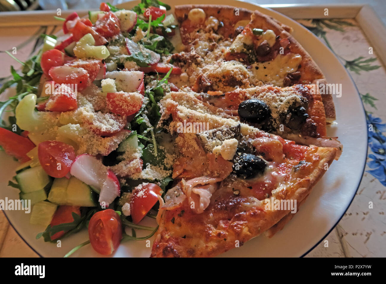 GoTonySmith,@HotpixUK,fat,fatty,slice,slices,plate,with