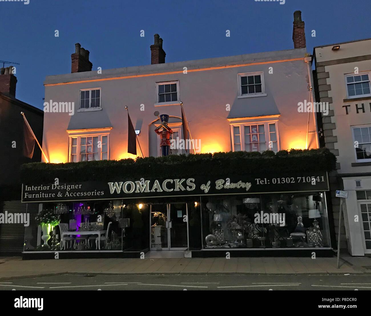 @HotpixUK,GoTonySmith,South,Yorkshire,England,UK,market,night,night