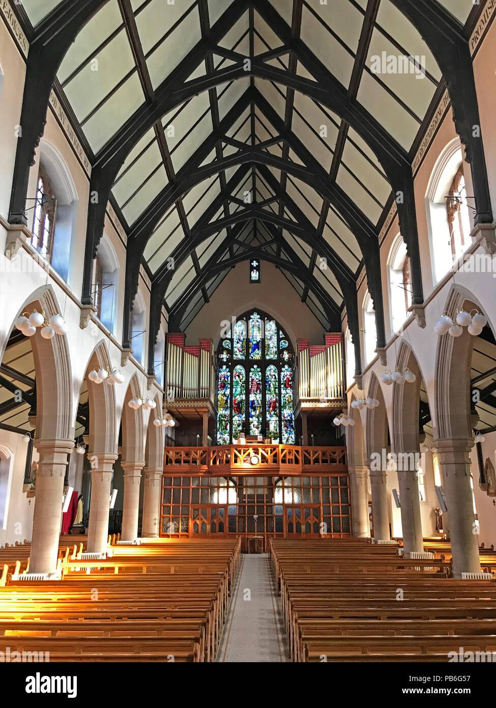 @HotpixUK,GoTonySmith,Cathedral