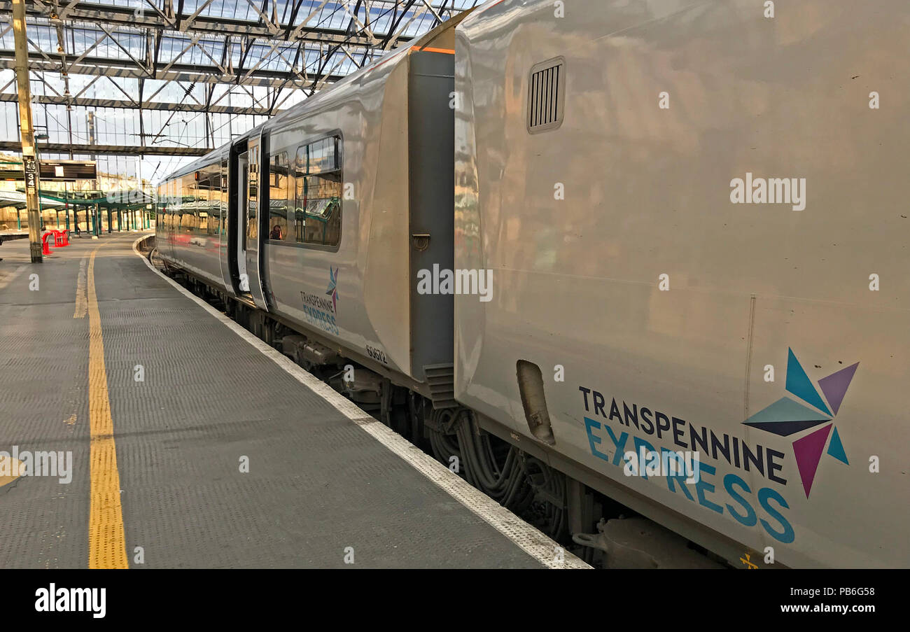 @HotpixUK,GoTonySmith,carriage,livery,Manchester