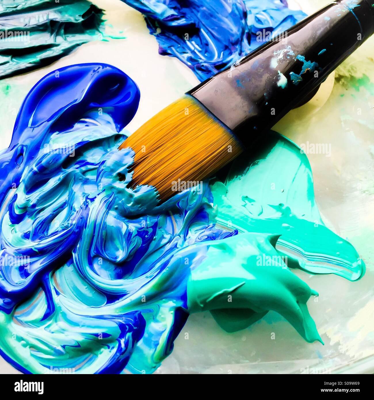 Pincel y pintura en azul turquesa foto imagen de stock - Pintura azul turquesa ...