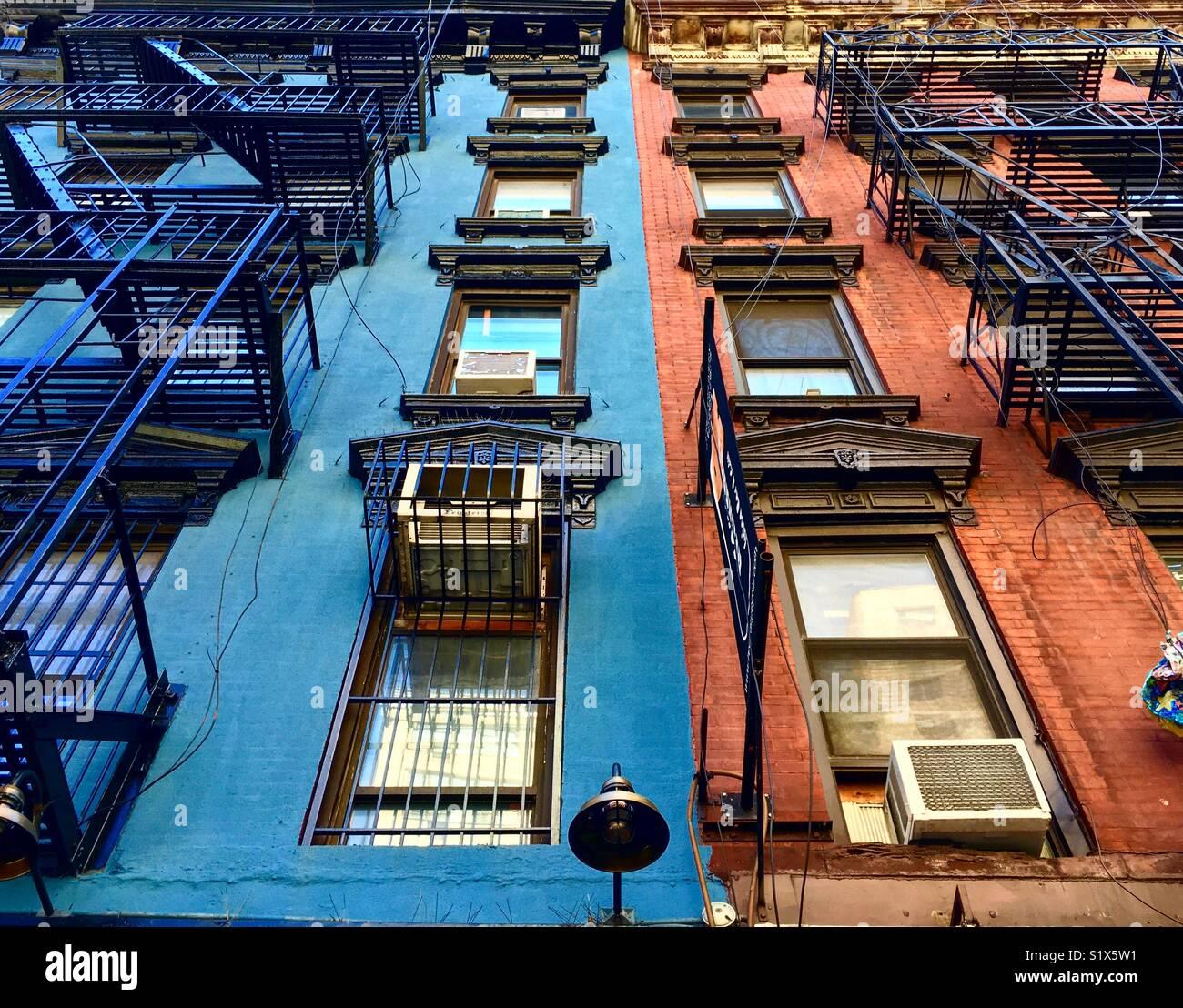 Los coloridos edificios del East Side de Manhattan Imagen De Stock