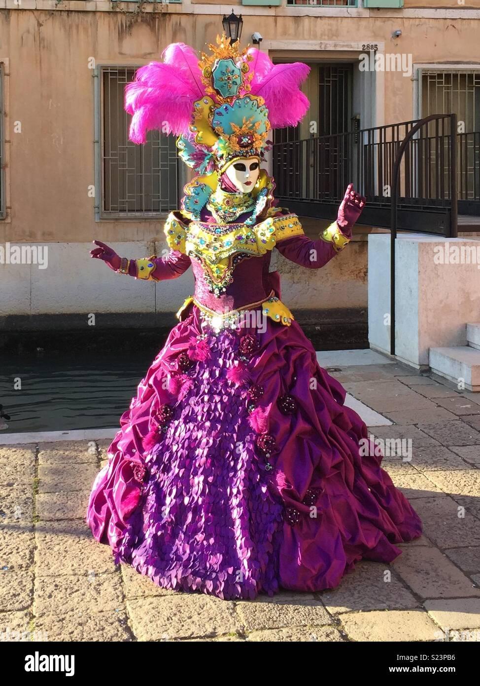 Único Rosa Vestidos De Dama De Oro Adorno - Vestido de Novia Para ...