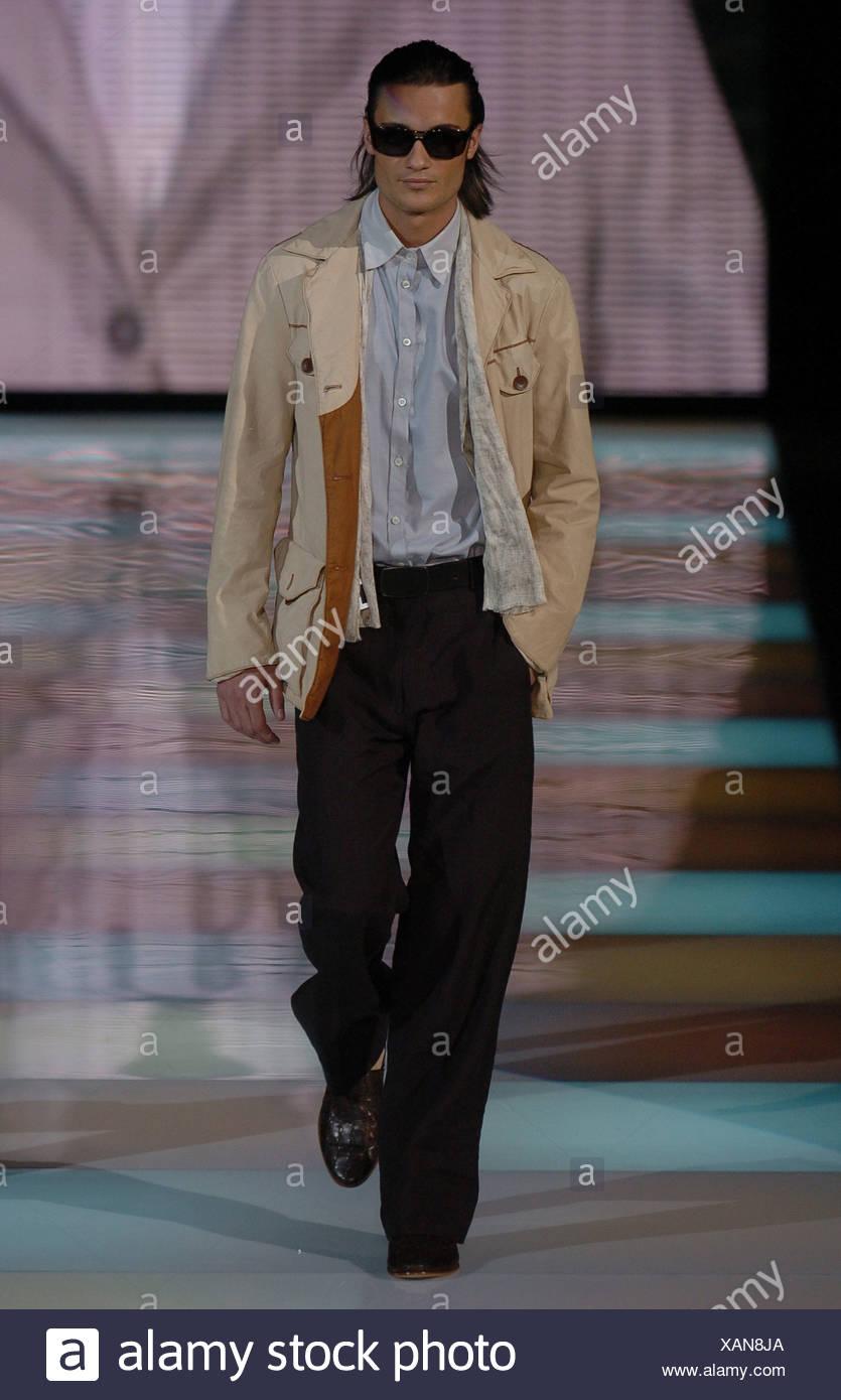 b86a1da66b una mano S Armani Milán vestidos Giorgio hombres tonos caqui pantalones  chaqueta oscuros S de moda marrón azul en ...
