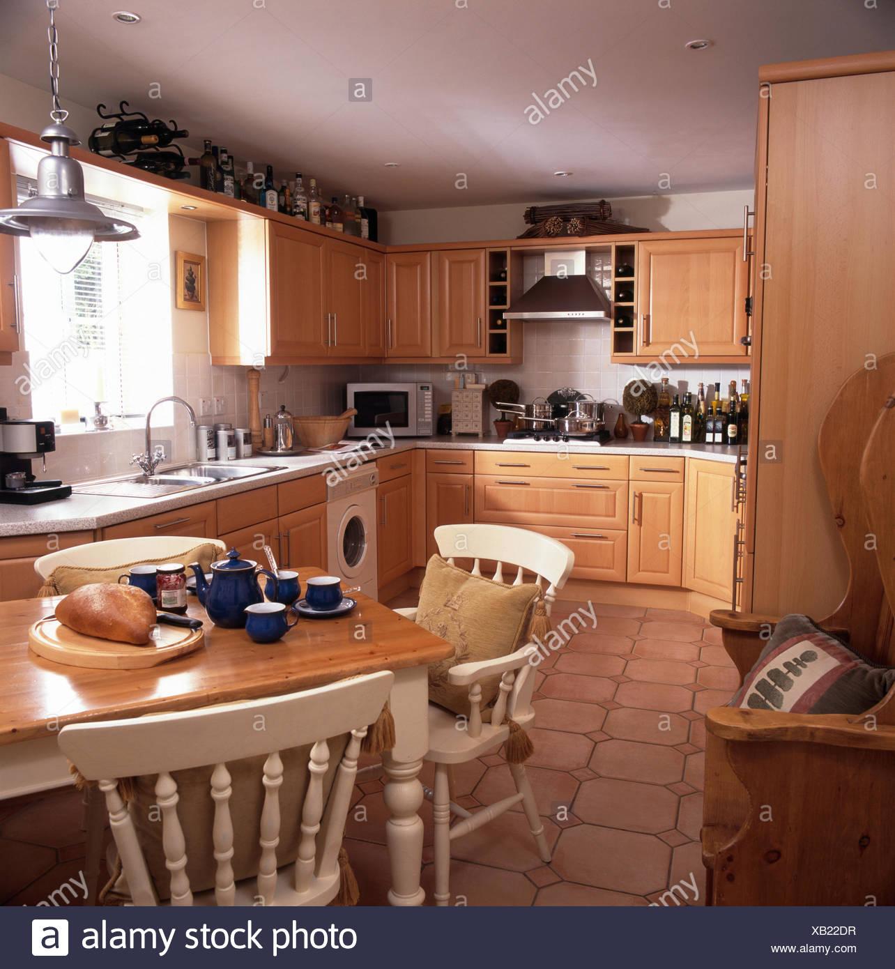 Magnífico Mesa De La Cocina Blanca Y Sillas Canadá Ornamento - Ideas ...