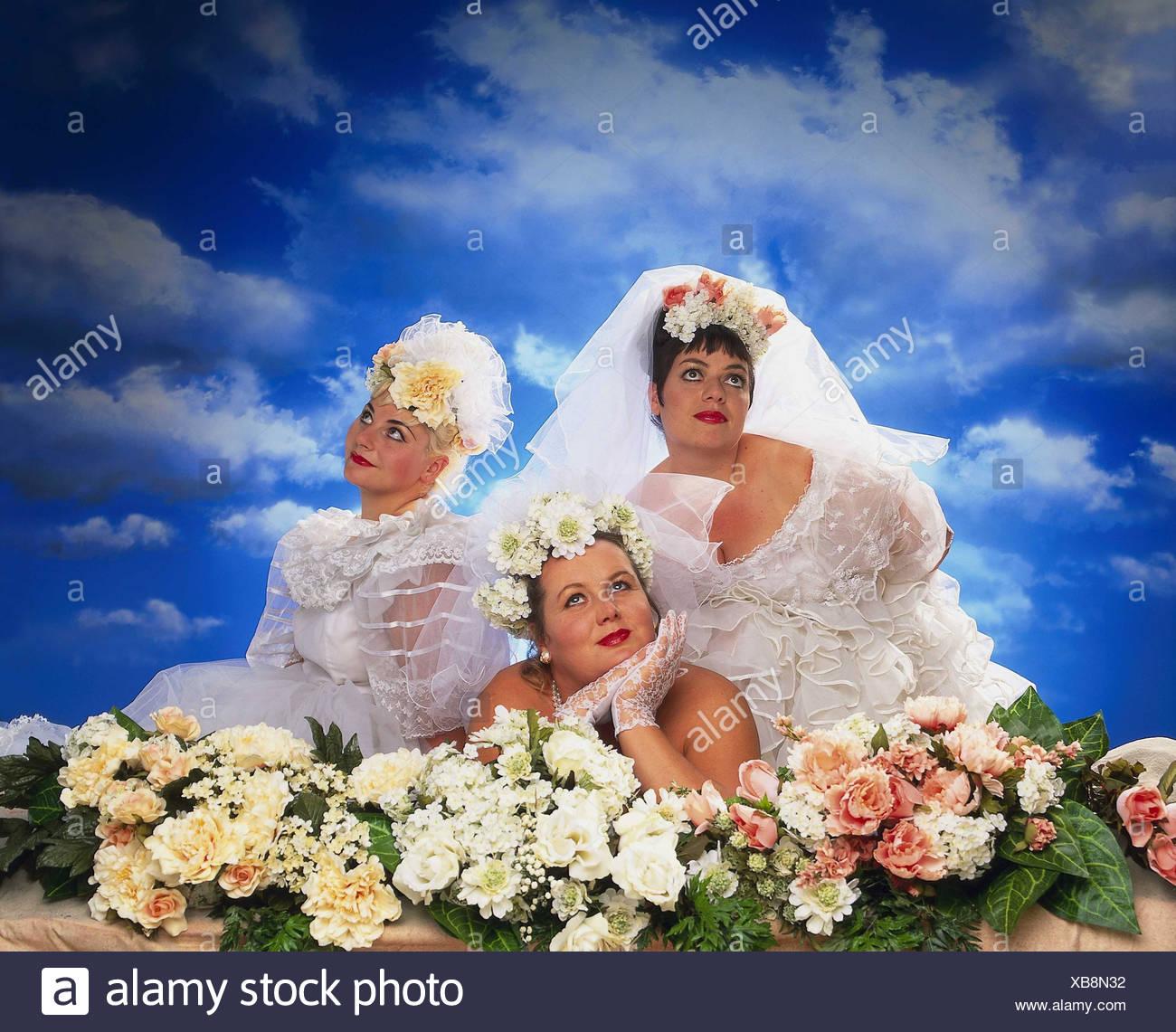 Sonar una mujer con vestido de novia