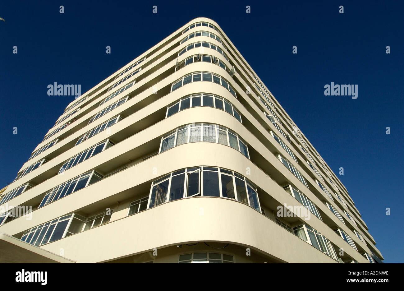 Le nouvel immeuble art déco rénové Cour Ambassade Brighton Photo Stock