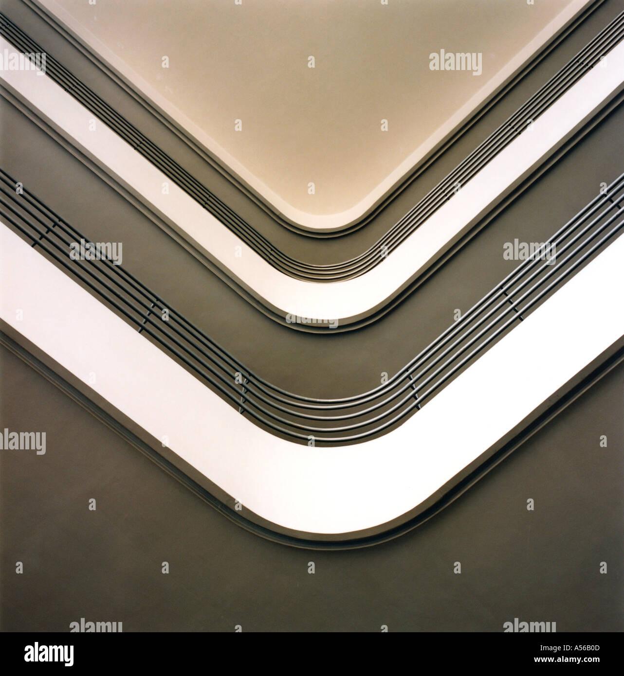 Vue de l'intérieur du balcon à l'intérieur d'un bâtiment construit pendant la période Photo Stock