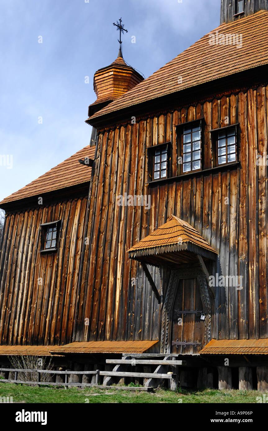 L'ancienne église orthodoxe en bois en Ukraine Photo Stock