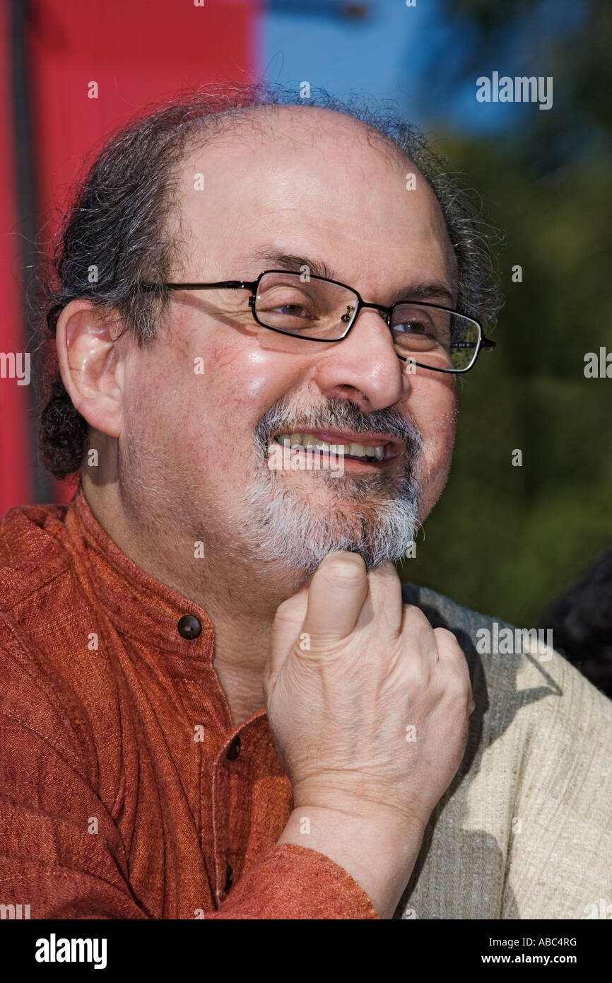 Salman Rushdie, un auteur bien connu originaire de l'Inde Photo Stock