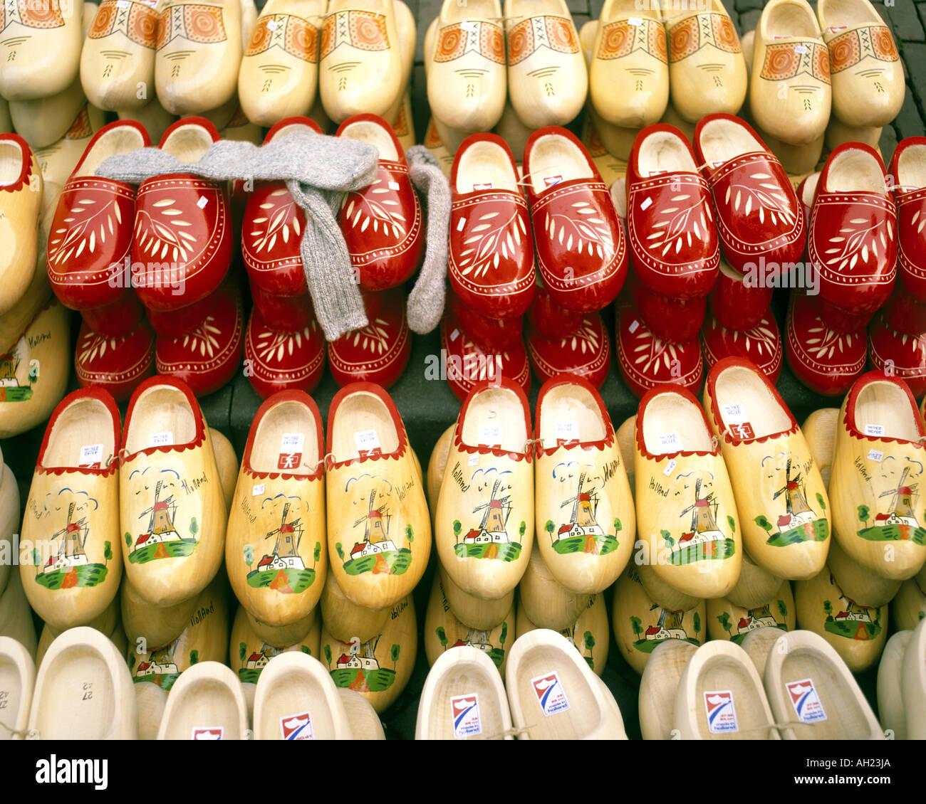 NL - Pays-Bas: sabots traditionnels sur l'affichage Photo Stock
