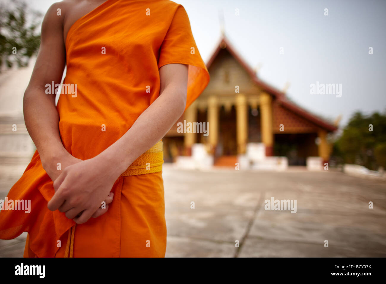 Un moine au Wat Xieng Hor, Luang Prabang, Laos Photo Stock