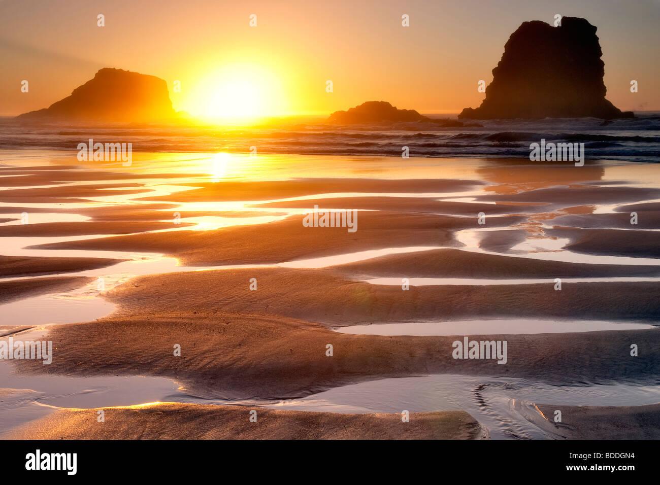 Coucher du soleil à marée basse des bassins.Samuel H. Boardman State Scenic Corridor. Oregon Photo Stock