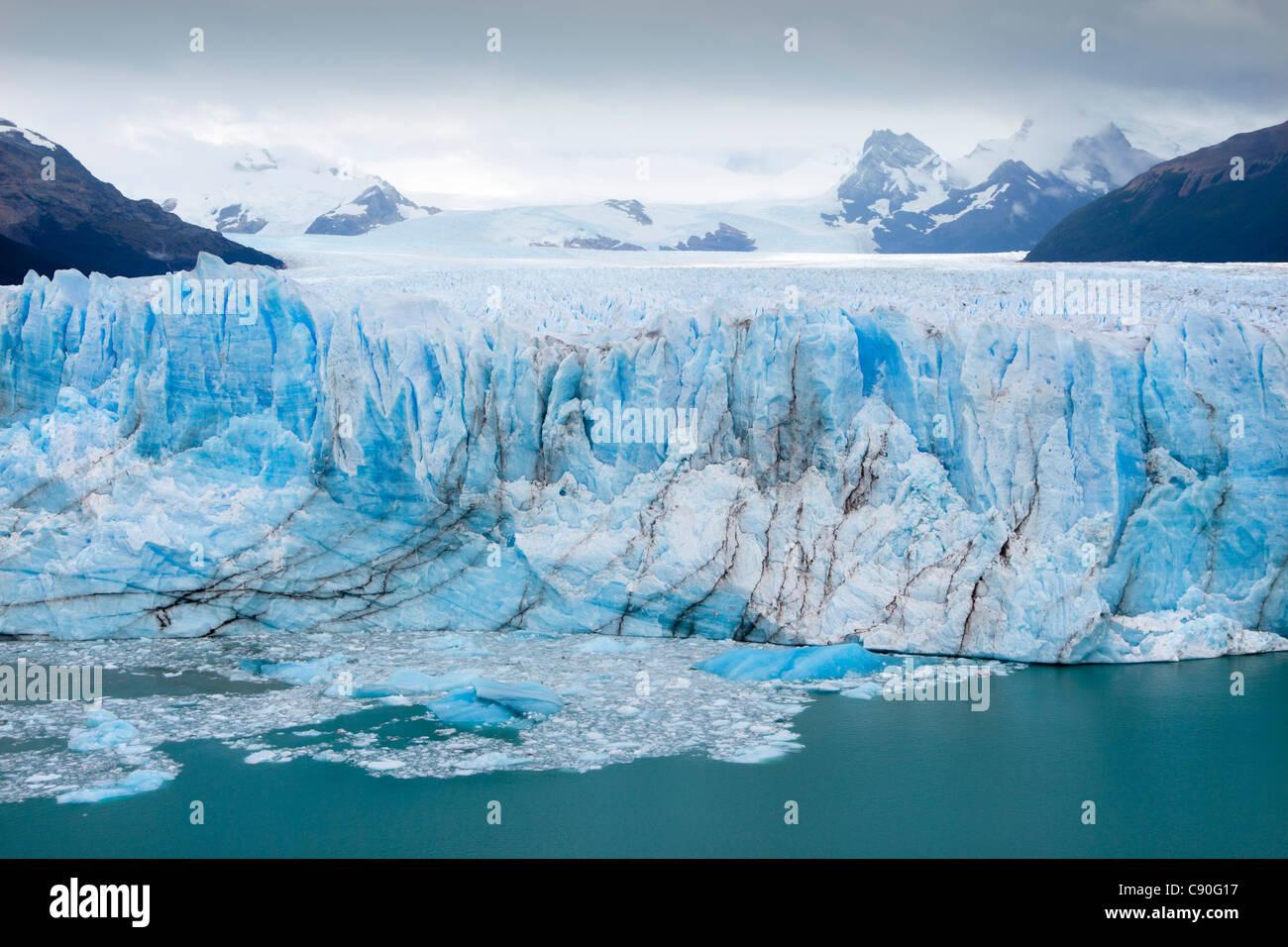 Le glacier Perito Moreno, Lago Argentino, le Parc National Los Glaciares, près d'El Calafate, en Patagonie, Photo Stock