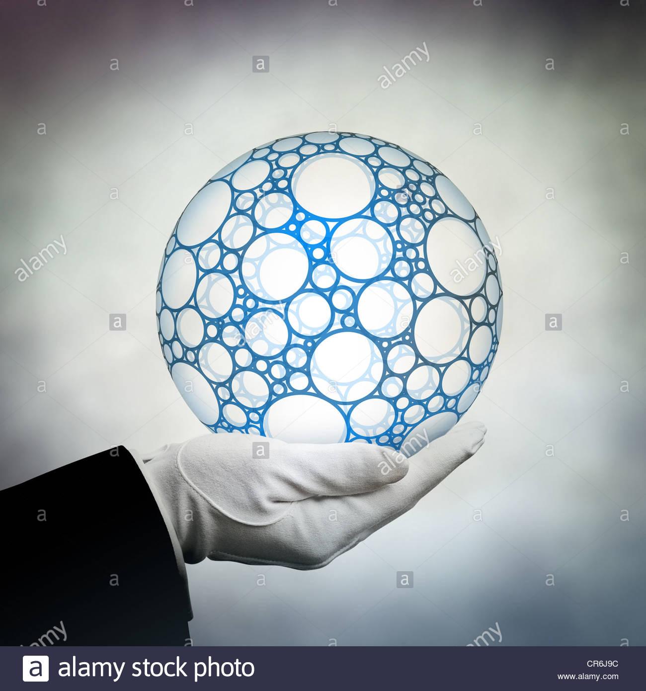 tenant le globe Photo Stock