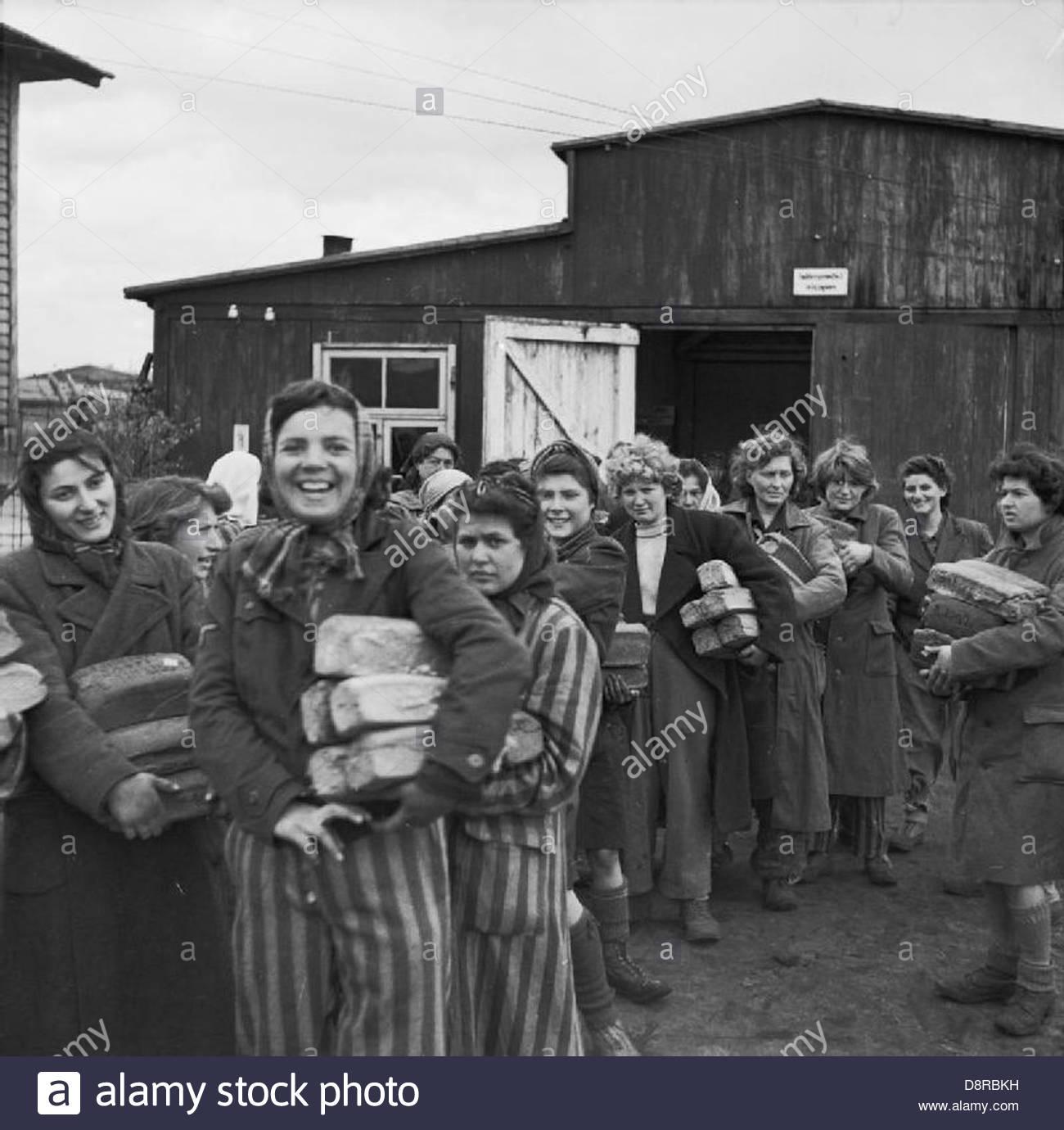 La libération du camp de concentration de Belsen Bergen-, avril 1945 BU4274. Photo Stock