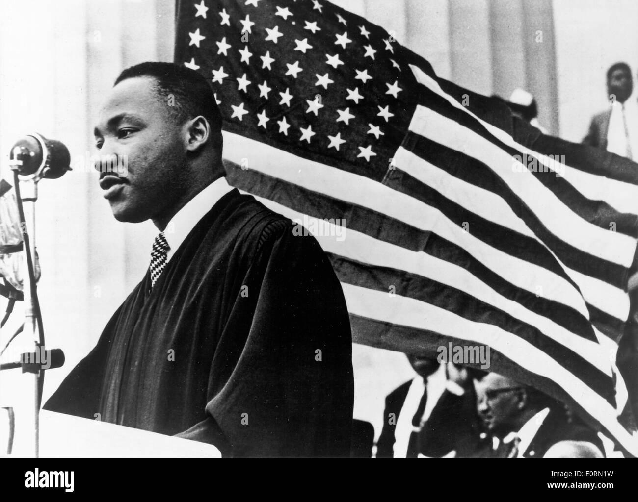 Le ministre Martin Luther King, prêchant à un événement Photo Stock