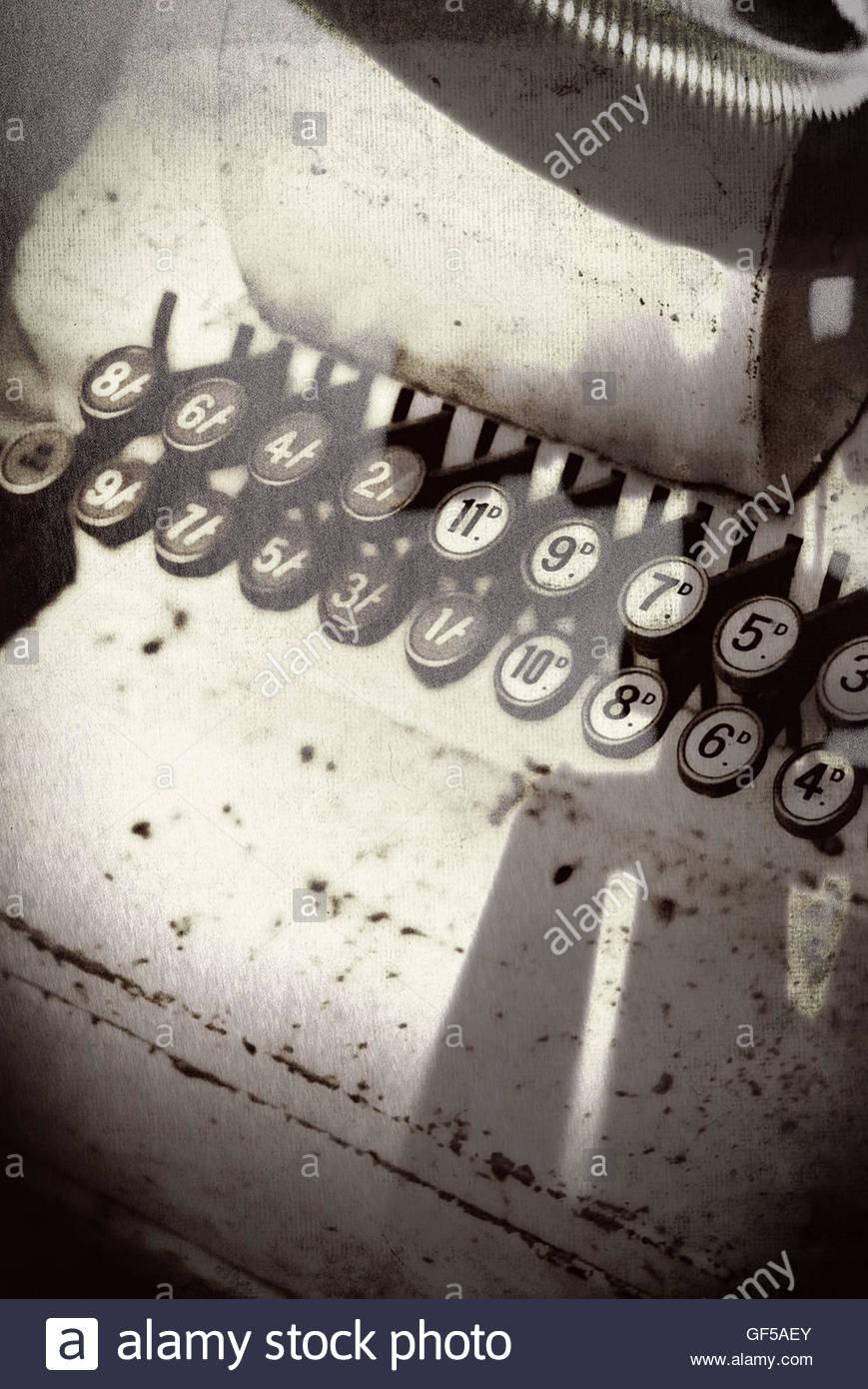Vintage shop jusqu'à l'image des touches moody strong shadows Photo Stock