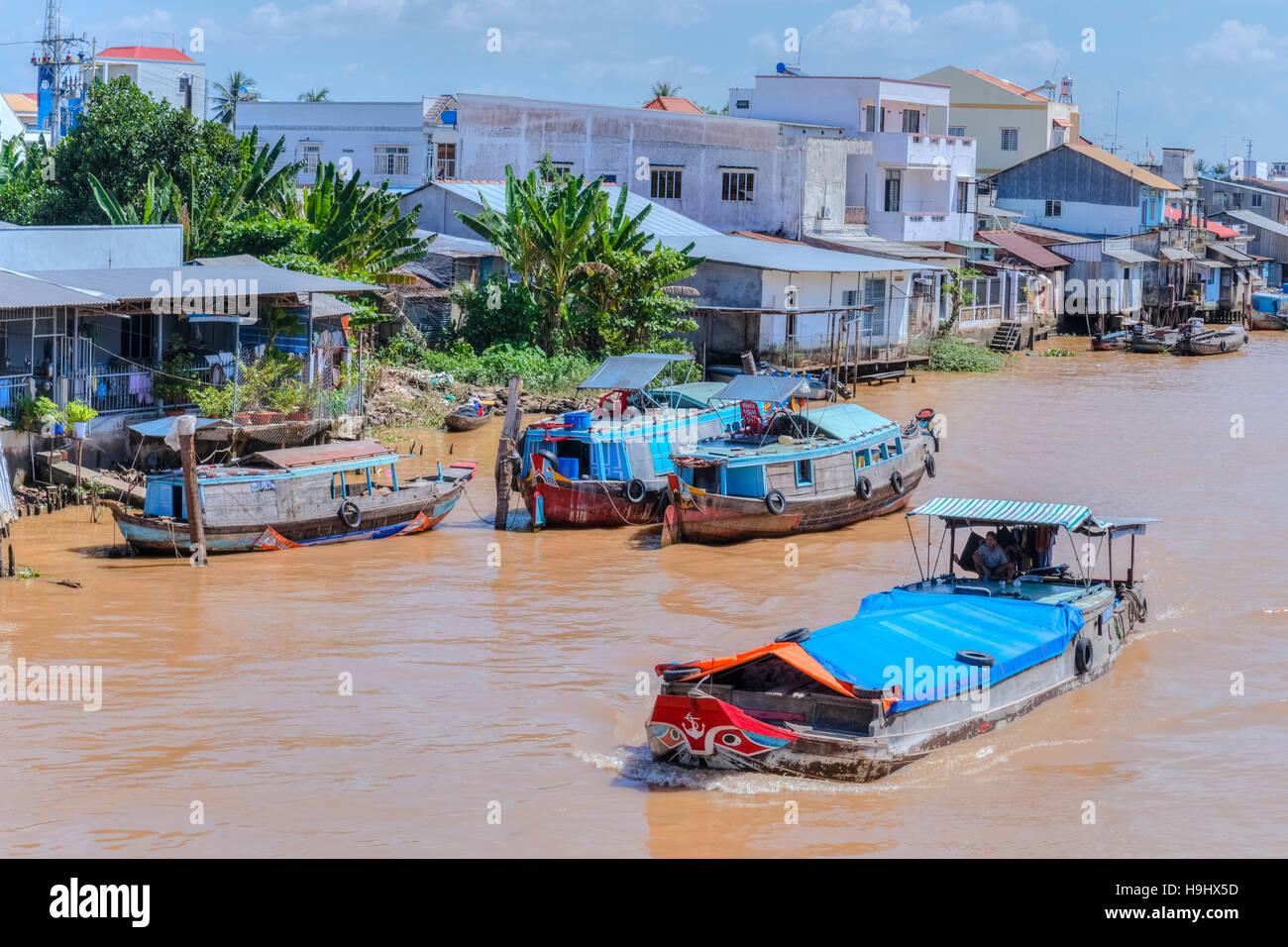 https://c7.alamy.com/compfr/h9hx5d/la-vie-le-long-du-mekong-dans-la-region-de-vinh-long-delta-du-mekong-vietnam-asie-h9hx5d.jpg