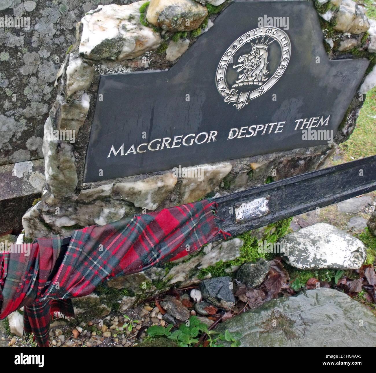 Nationalism,Roy,MacGregor,red,hair,haired,hero,martyr,outlaw,Balquidder,Inverlochlarig,Beg,graveyard,burial,buried,tomb,Robert,MacGregor,slate,MacGregor,Despite,Them,tarten,tartan,crest,Scottish