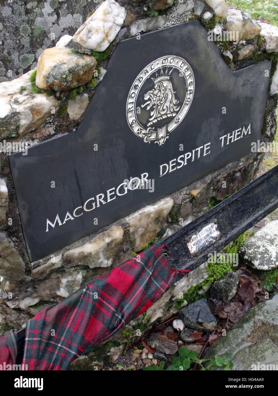 Nationalism,Roy,MacGregor,red,hair,haired,hero,martyr,outlaw,Balquidder,Inverlochlarig,Beg,graveyard,burial,buried,tomb,Robert,MacGregor,Despite,Them,tarten,tartan,crest,Scottish