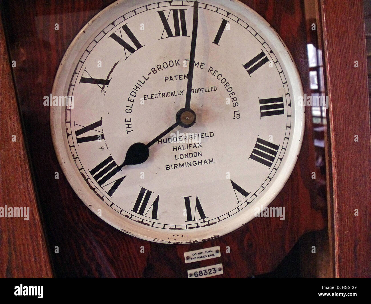 wood,hands,hand,mechanical,time,recorder,recorders,punch,in,Machine,Gledhill,Brook,Time