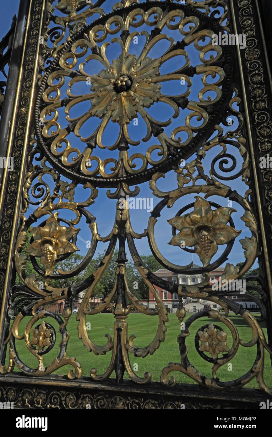 GoTonySmith,gate,after