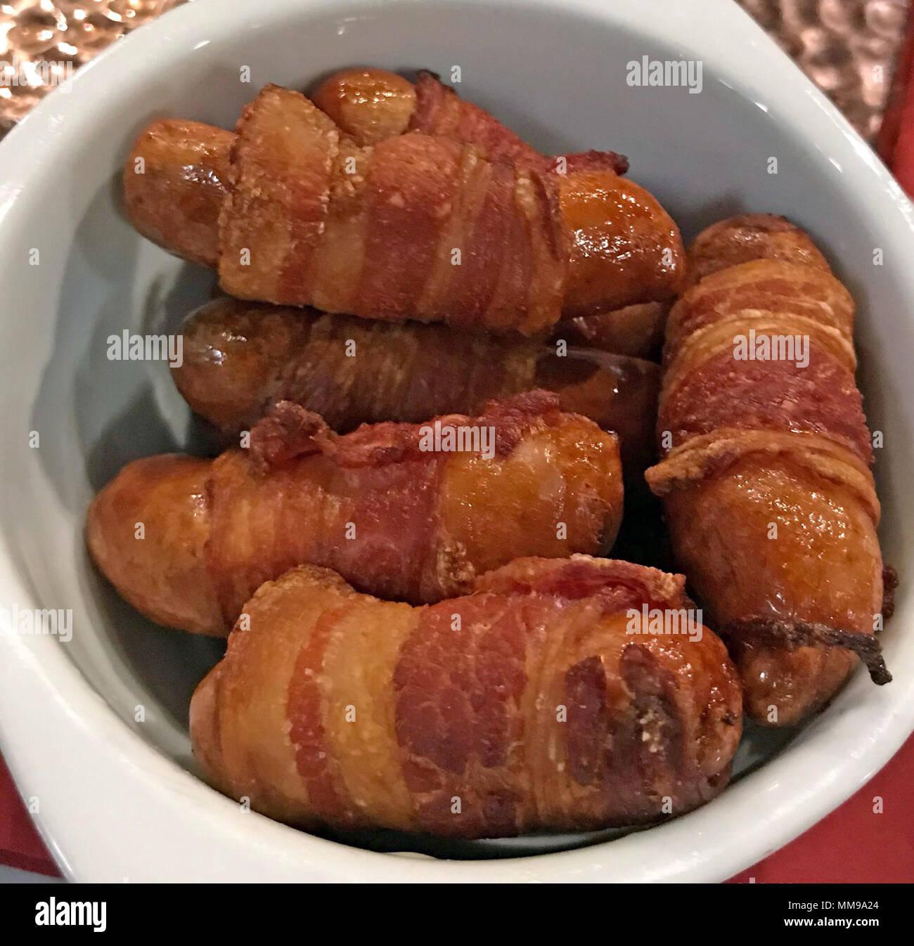 GoTonysmith,@HotpixUK,sausages,wrapped,in,Bacon,Pork