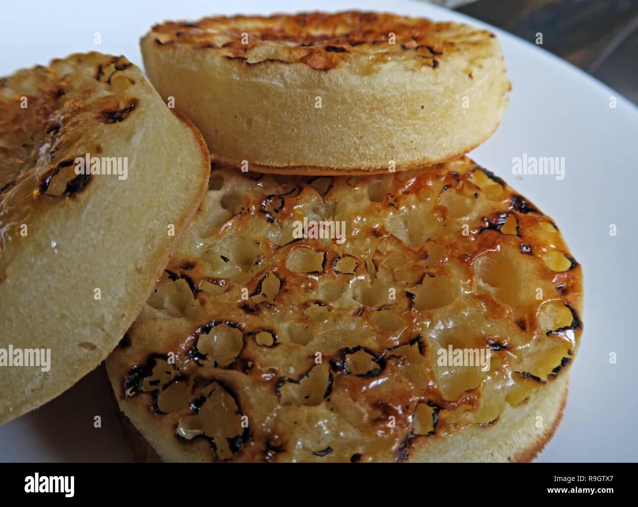 HotpixUK,@HotpixUK,GoTonySmith,buttered,toasted,sitting,hot,small