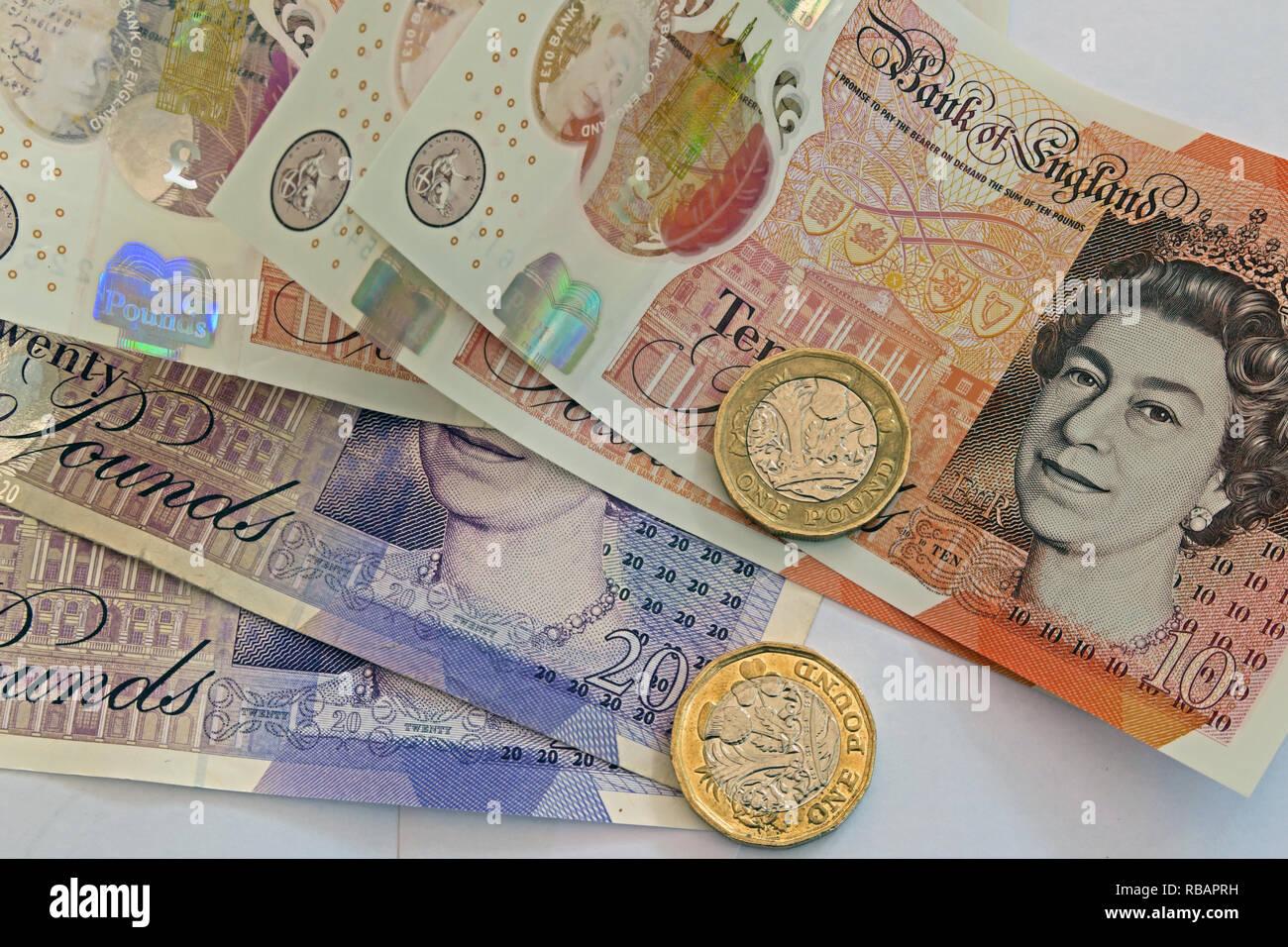 gotonysmith,HotpixUK,@HotpixUK,UK,notes,plastic,currency,10,5,ten,five,pound