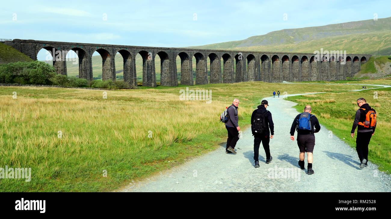 GoTonySmith,HotpixUK,@HotpixUK,England,UK,walk,Ribblehead,walkers,three