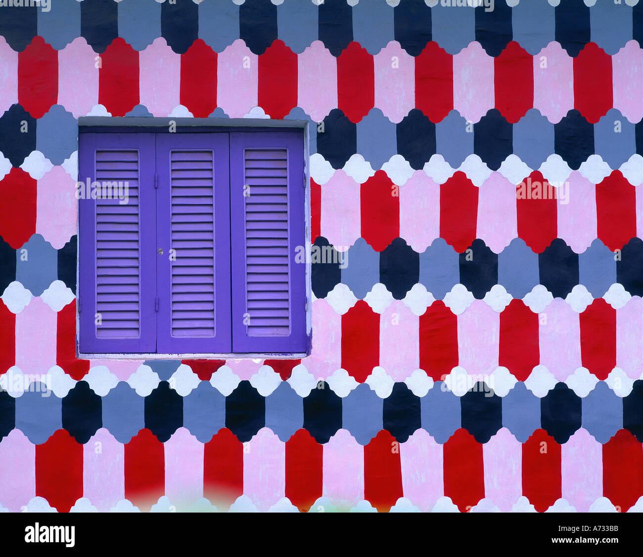 Finestra in una casa privter, Luxor, Egitto Immagini Stock