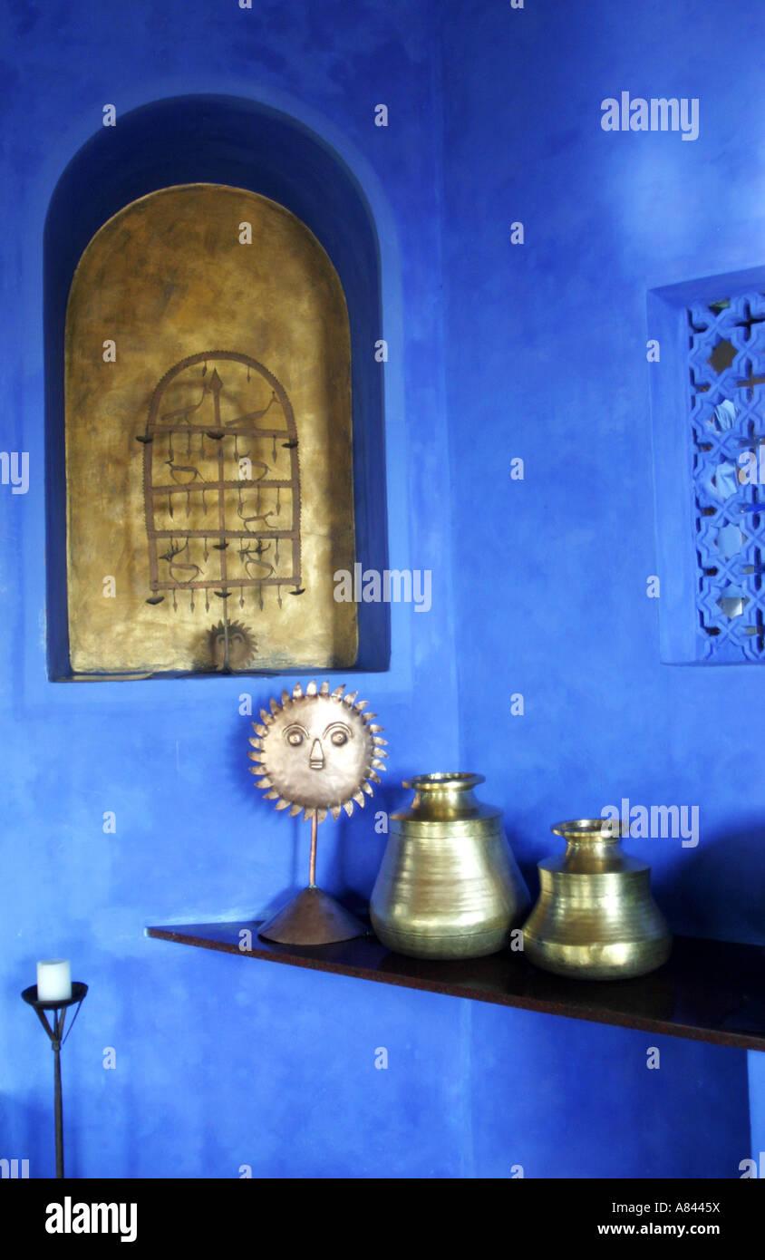 Dettaglio della zona di ricevimento del spettacolarmente progettato Nilaya Hermitage boutique hotel in Goa in India Immagini Stock