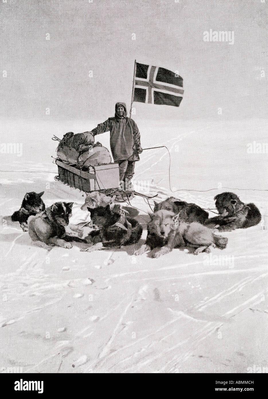 Il capitano Roald Engelbregt Gravning Amundsen 1872 al 1928 presso il polo Sud sotto la bandiera norvegese Immagini Stock