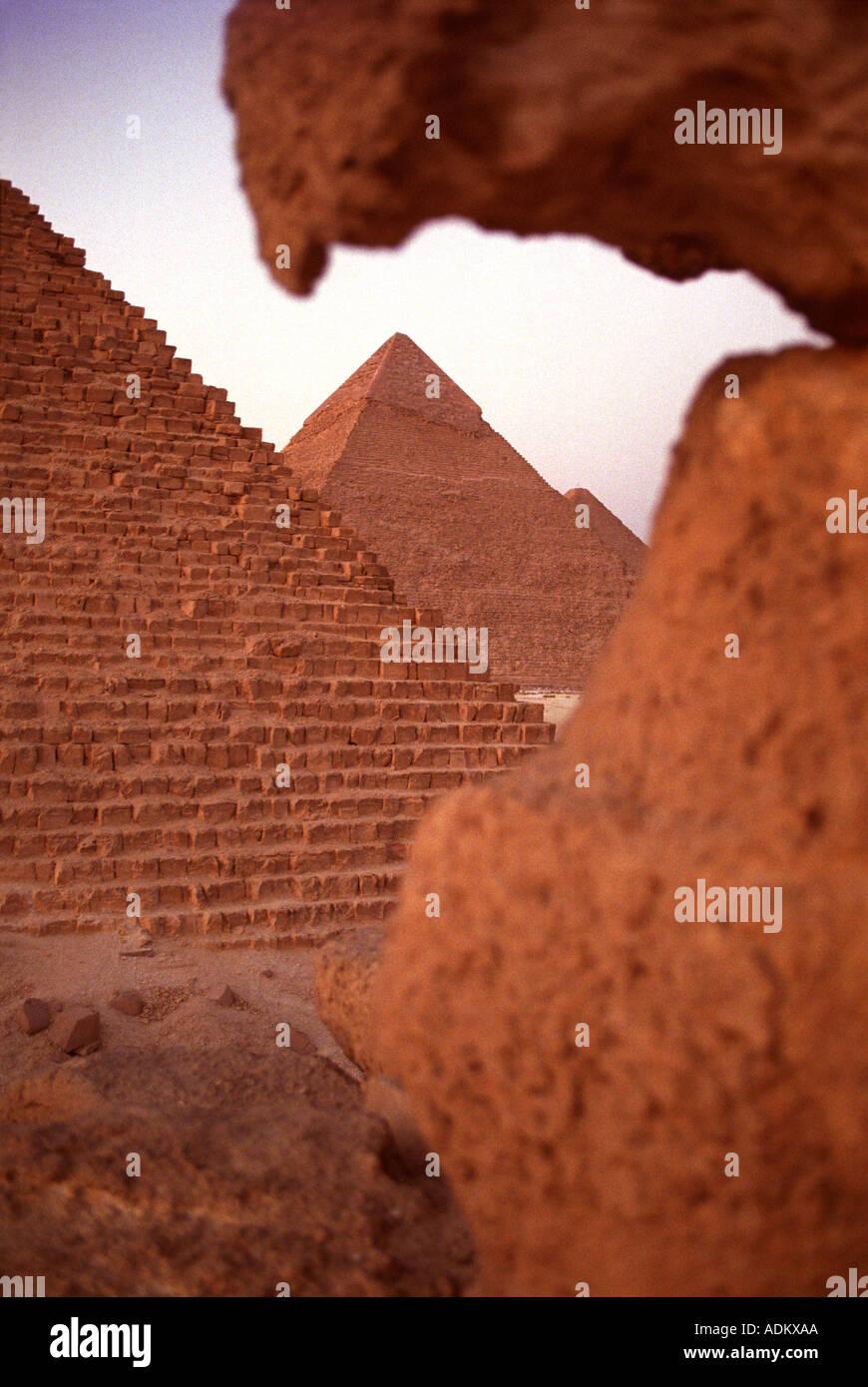 Le piramidi di Giza vicino al Cairo in Egitto Immagini Stock