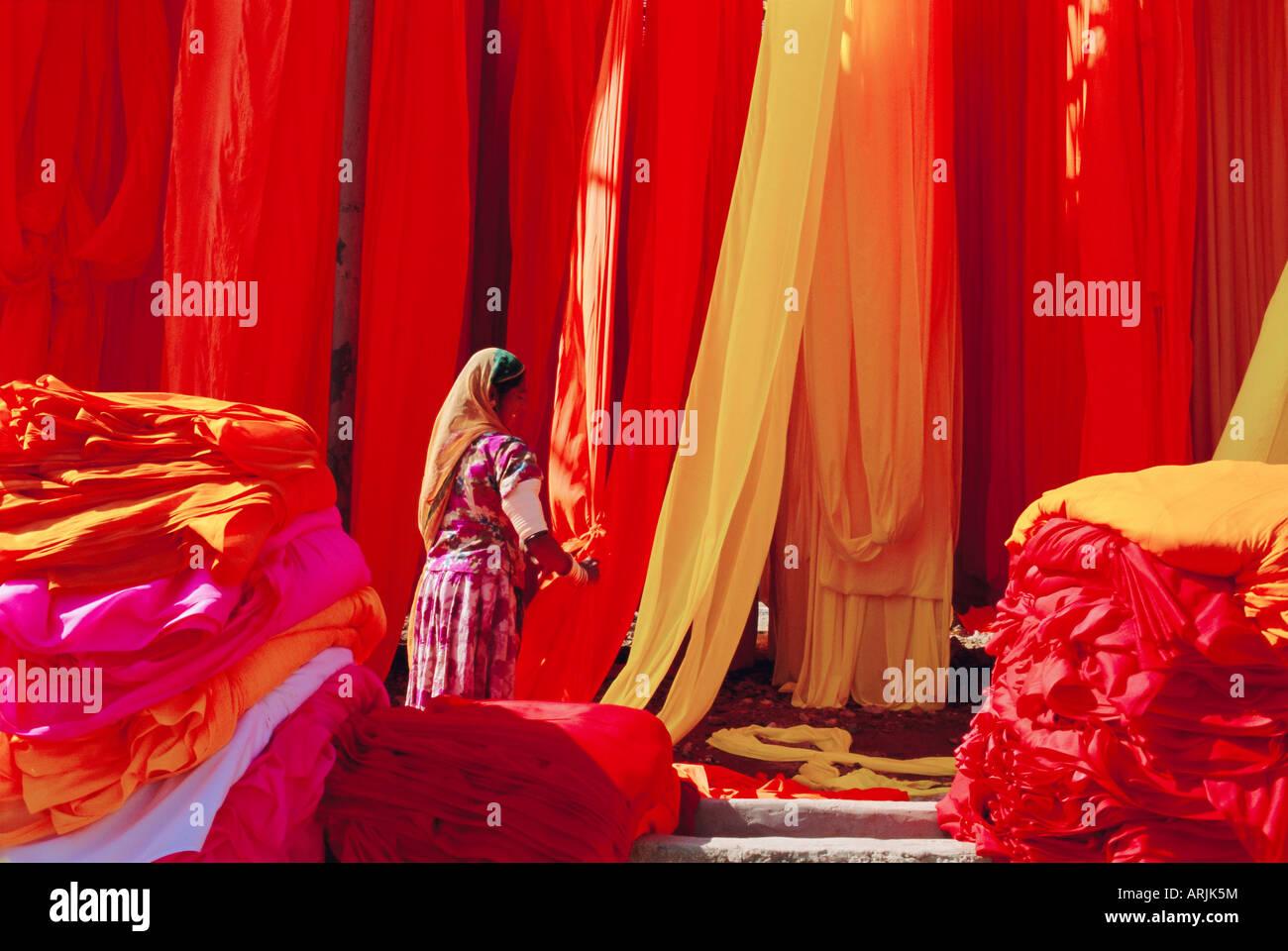 Sari fabbrica di indumento, Rajasthan, India Immagini Stock