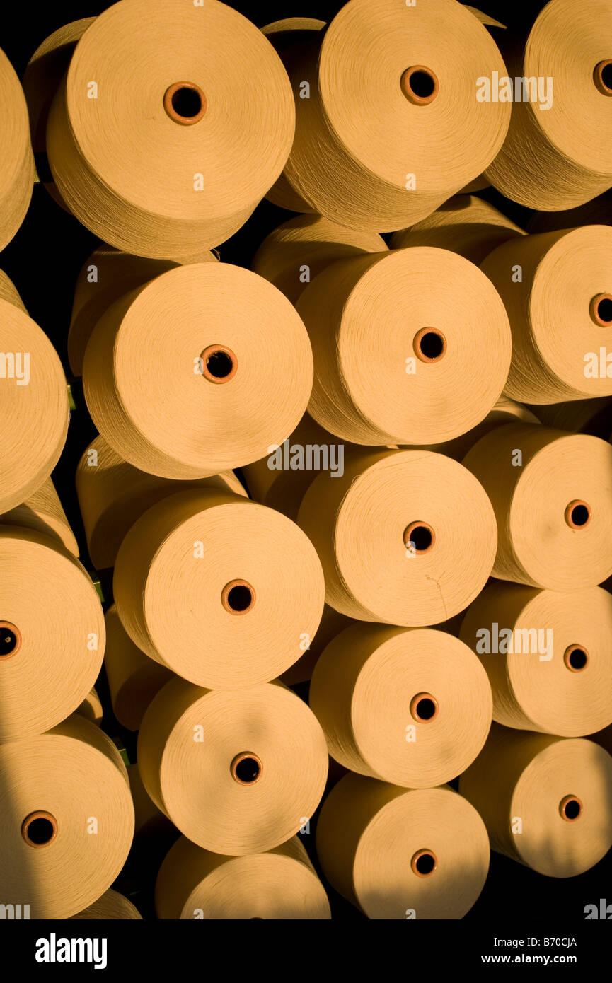 India Indore , fibre Mahima Ltd. filatura di produrre filati di cotone proveniente da agricoltura biologica e il Immagini Stock