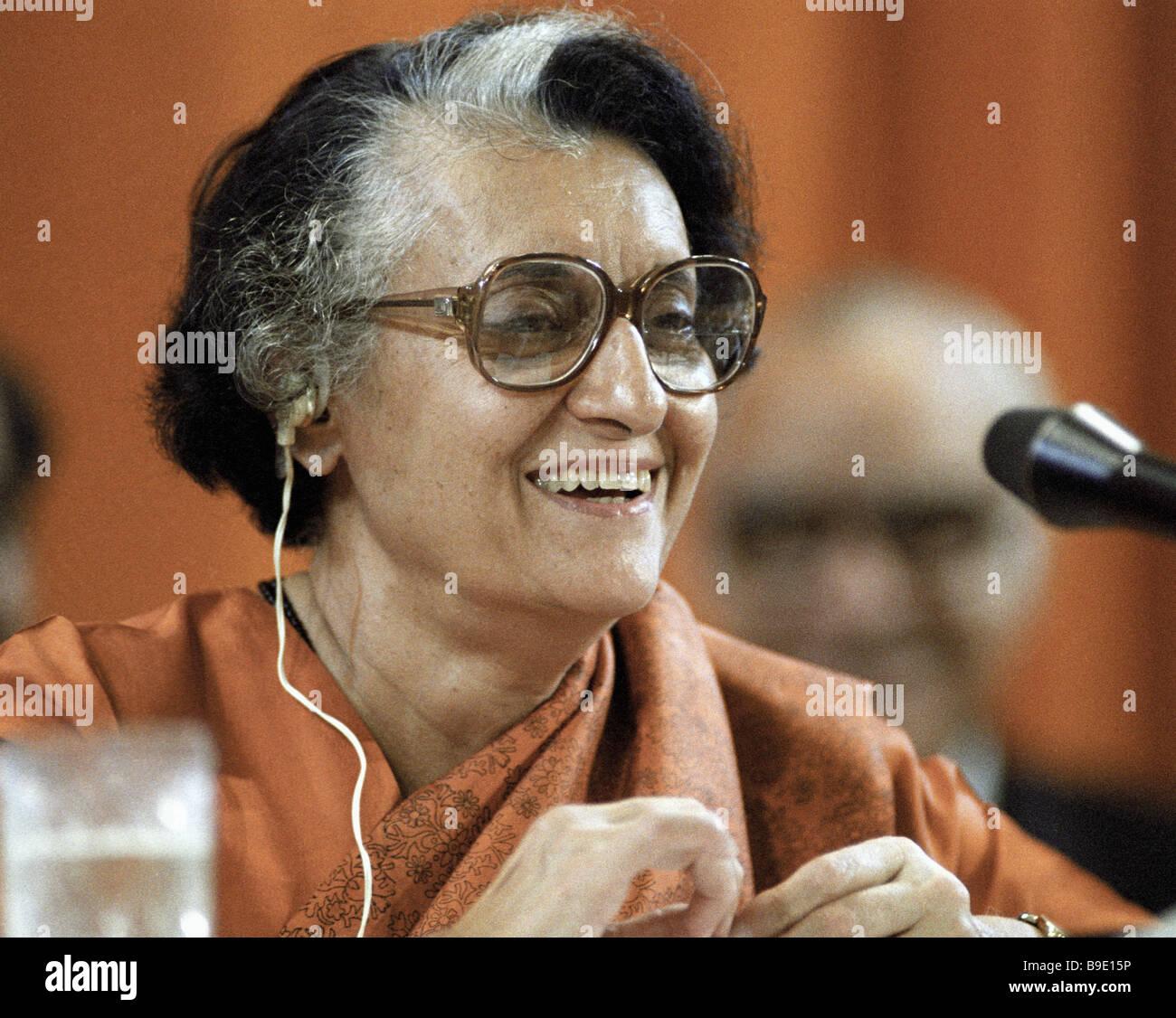 Primo Ministro indiano Indira Gandhi dando una intervista durante la sua visita in Unione Sovietica Immagini Stock