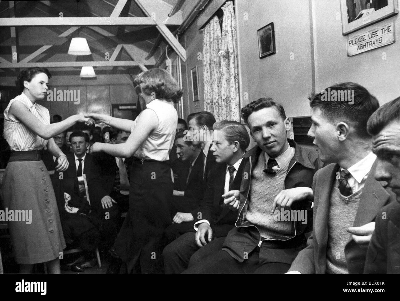 SOUTH LONDON teenage dance club nel 1957 Immagini Stock