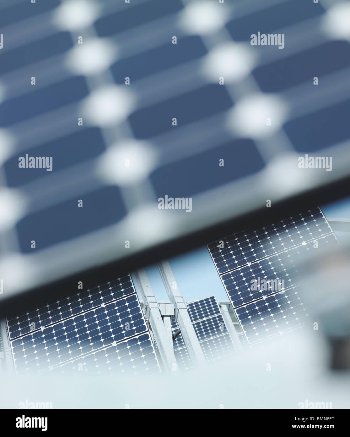 Energia solare stazione al di fuori del pannello di messa a fuoco Immagini Stock