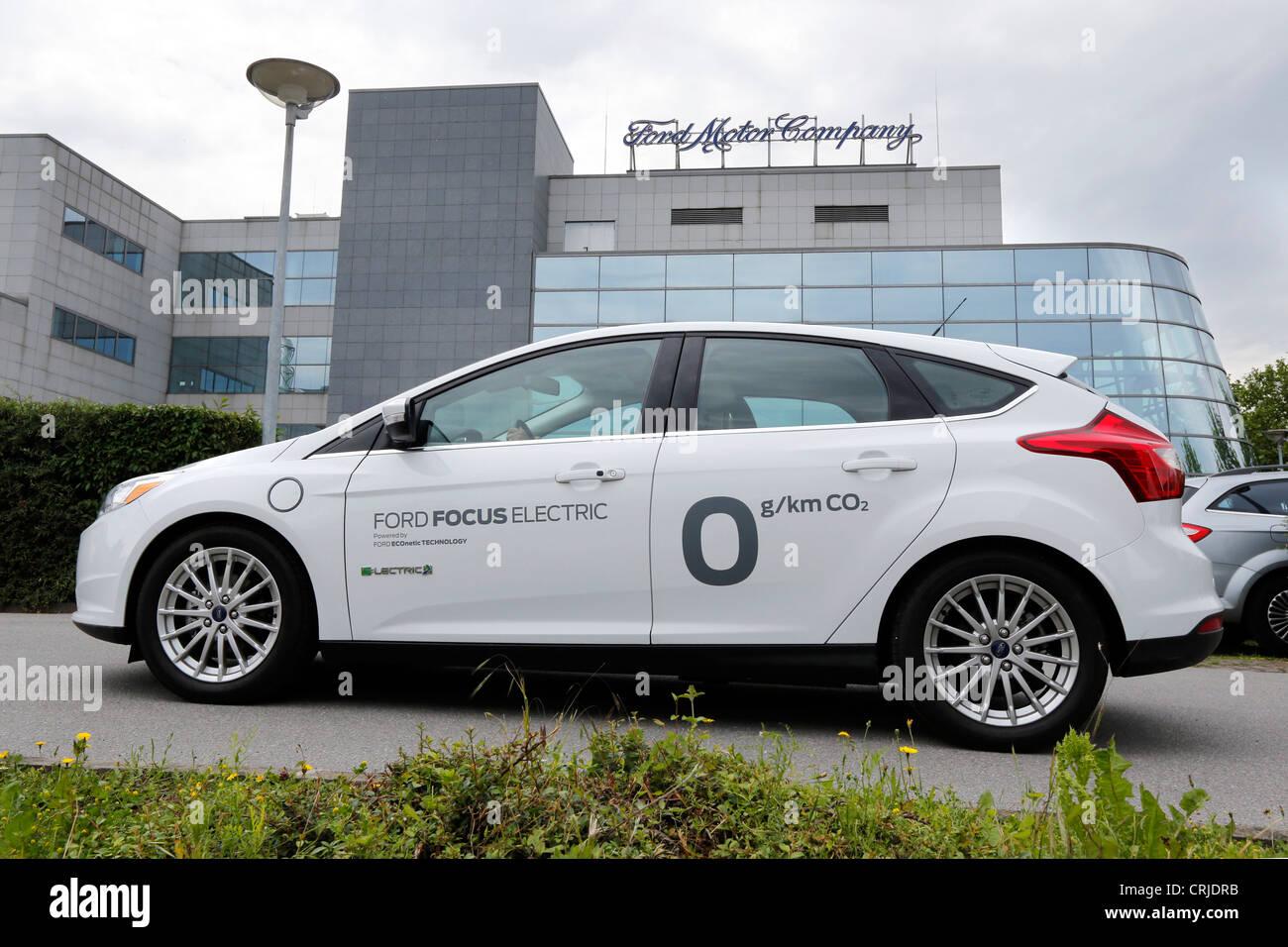 Ford Motor Company, Ford Ricerca e Advanced Engineering Center in Aachen/Germania. Nella parte anteriore della Ford Immagini Stock