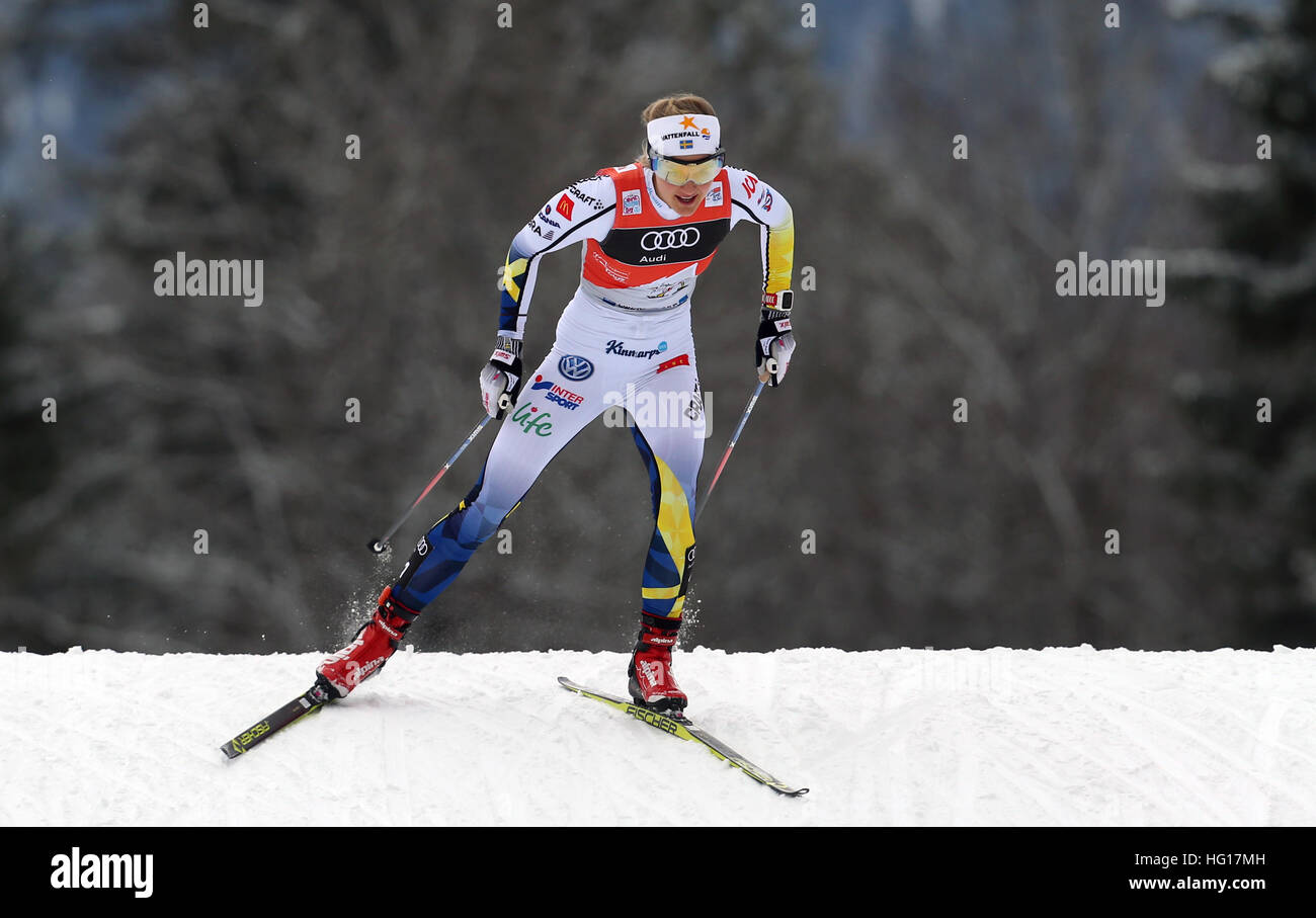 Oberstdorf, Germania. 04 gen 2017. Il primo posto vincitore Stina Nilsson di Svezia gli sci in campo femminile gara Immagini Stock