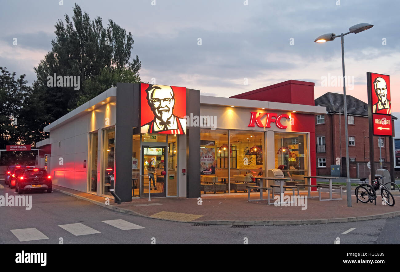 fast,food,fast-food,fat,bad,diet,fried,food,chicken,town,city,centre,franchise,franchises,col,Sanders,car,cars,drive,through,drive-through,KFC