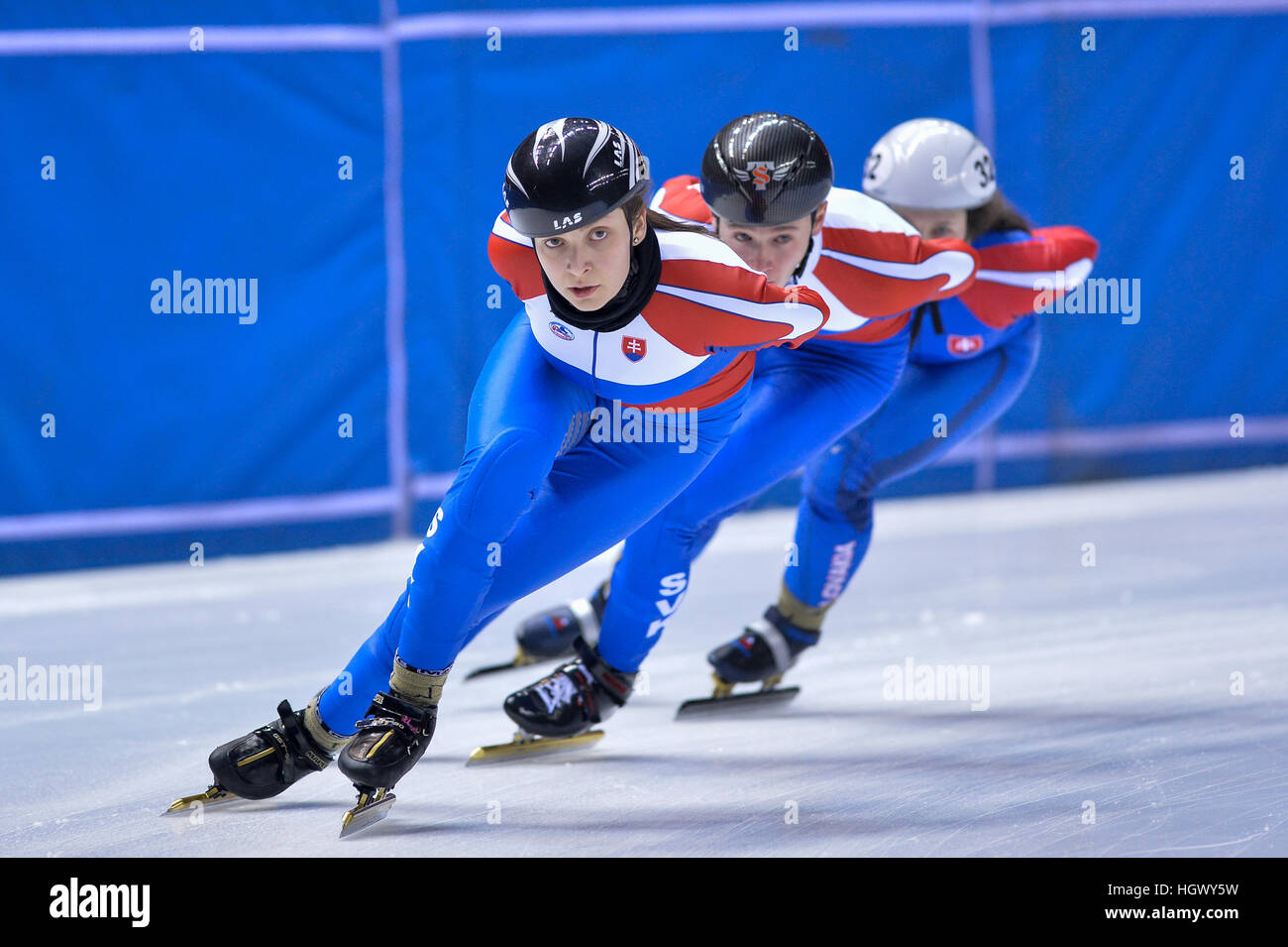 Torino, Italia. Xii gen, 2017. Sandra Trusova in azione durante la nazionale della Slovacchia di allenamenti per Immagini Stock